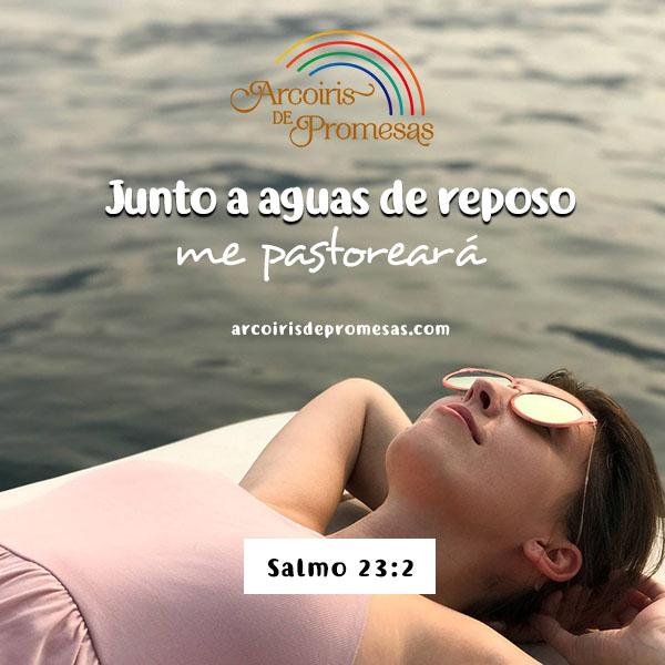 junto a aguas de reposo devocionales para mujeres cristianas